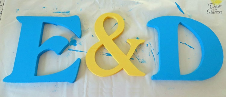 These decorative wooden letters are the perfect decoration for bridal showers and weddings! So easy to make, and you can personalize them for any occasion! Perfect! | decorbytheseashore.com