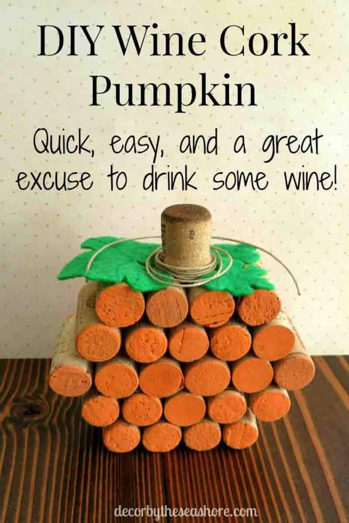 This wine cork pumpkin is so cute and perfect for my fall decor! Super fun and an easy weekend craft! Finally a use for all those wine corks!   decorbytheseashore.com