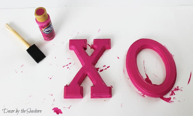 Quick and Easy Valentine\'s Day Sign + Blog Hop - Decor by the Seashore