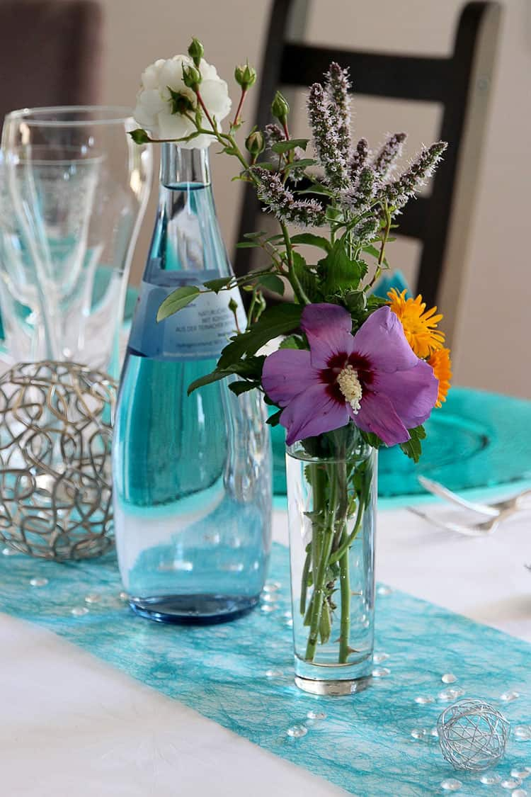 Easy ways to decorate for spring decor by the seashore for Decoration de table